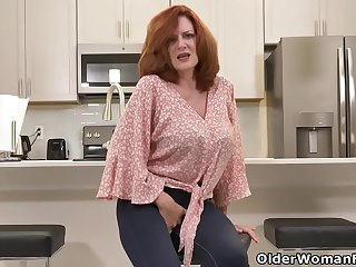 Florida milf Rebecca shows..