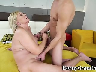 Granny gets pussy banged and..