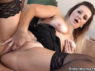 Euro milf Mia lets you watch..