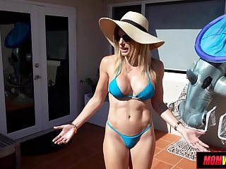 Hot MILF spys 2 young cocks