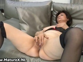 Mature housewife in sexy..