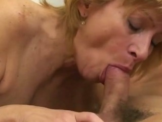 Hairy mature snatch fucked