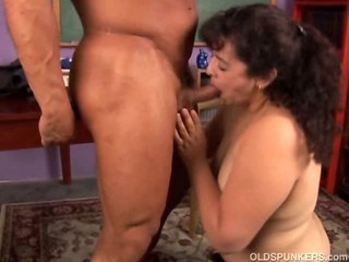 Chubby mature amateur loves..