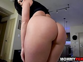 Milf mom and son sex behind..